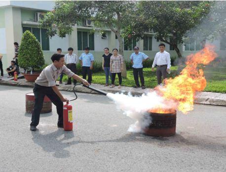 Trung tâm Khai thác Hạ tầng tổ chức tập huấn công tác phòng cháy chữa cháy năm 2015 ( 26/10/2015 )