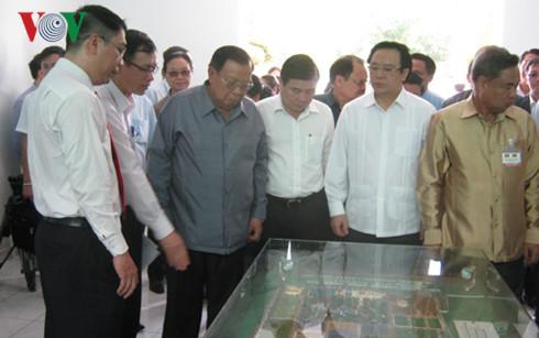 Tổng Bí thư Lào thăm Khu Nông nghiệp Công nghệ cao TPHCM