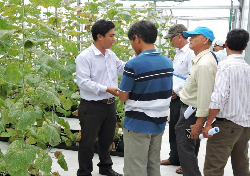 Lớp tập huấn nông nghiệp công nghệ cao do Trung tâm ứng dụng tiến bộ KHCN tỉnh Bà Rịa – Vũng Tàu tổ chức đến tham quan học tập tại Khu Nông Nghiệp Công Nghệ Cao TP.HCM