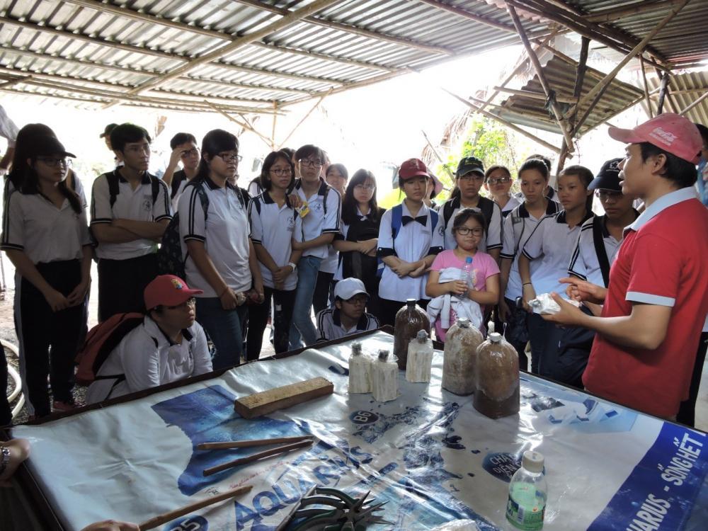 Lớp 12 chuyên Sinh – Trường THPT Chuyên Trần Đại Nghĩa đến tham – học tập tại Khu Nông nghiệp Công nghệ cao TP. HCM