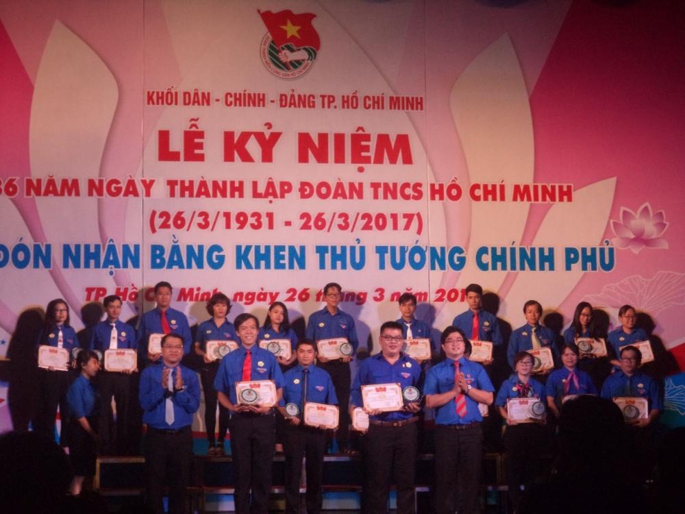 Chi đoàn Trung tâm Khai thác Hạ tầng được tuyên dương  Chi đoàn Vững mạnh tiêu biểu năm 2016