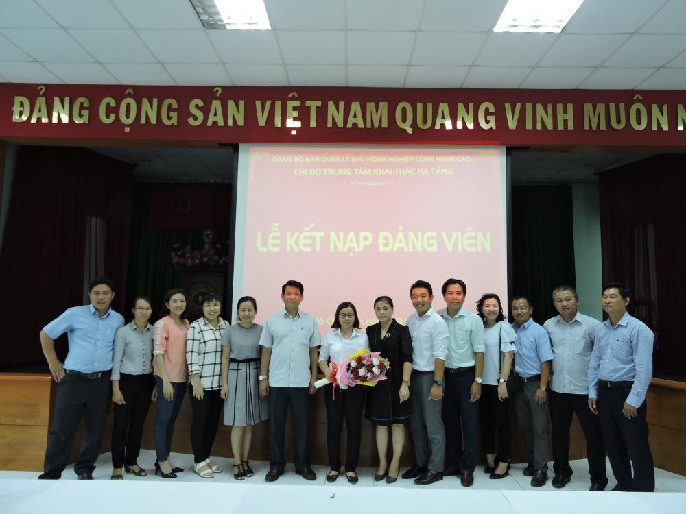 Chi bộ Trung tâm Khai thác Hạ tầng kết nạp Đảng viên mới năm 2019