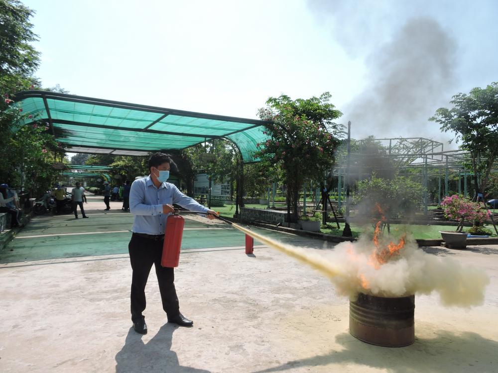 Trung tâm Khai thác Hạ tầng diễn tập Phòng cháy chữa cháy tại đơn vị