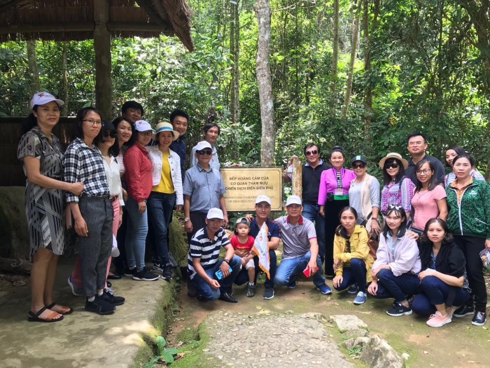 Chi bộ Trung tâm Khai thác Hạ tầng nỗ lực học tập và làm theo tư tưởng, đạo đức, phong cách Hồ Chí Minh